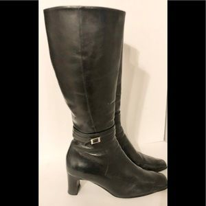 Naturalizer genuine leather boot with side buckle